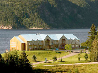 Saguenay lac saint jean lodging hotels inns b b for Auberge autre jardin quebec city