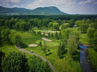 Golf clubs in quebec for Club piscine st jean richelieu