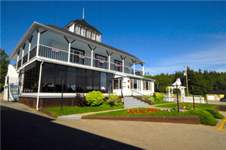 Directory of lodging manicouagan for Auberge maison gagne tadoussac canada