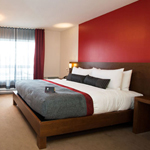 Romantic get-away - Hotel V in Gatineau Package