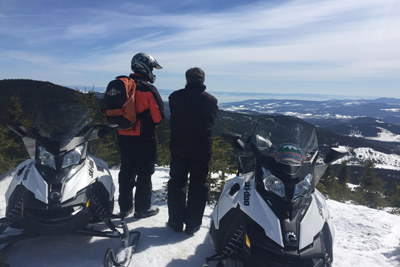 Top Location Motoneiges Charlevoix - 2-hour snowmobile, massage, spa, snowshoe Passport