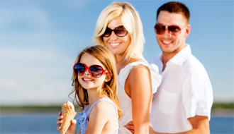 AML Cruises - Brunch cruise with family, © Shutterstock