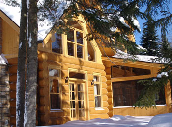 Find comfort, luxury and nature at the Fiddler Lake Resort