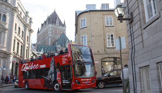 Bus tour through the streets of Old Québec City