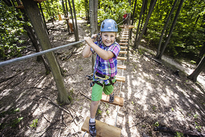 Discover the aerial parks for outdoor family fun