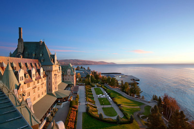 On the road to see two treasures: Château Frontenac and Manoir Richelieu!