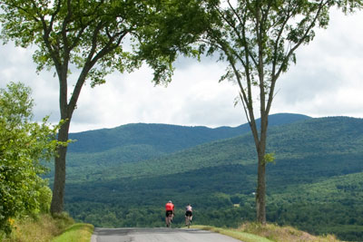 Choose the Eastern Townships for a Cycling Getaway!