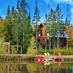 Au Chalet en Bois Rond: perfect for a getaway this fall!